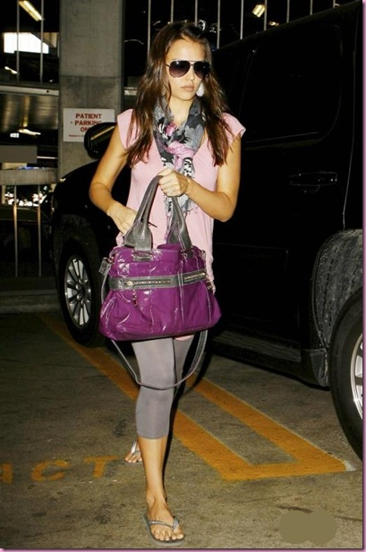 jessica_alba_leaves_cedars_sinai_medical_center_in_los_angeles__september__3__2008_