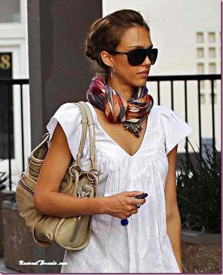 Jessica_Alba_wears_Tolani