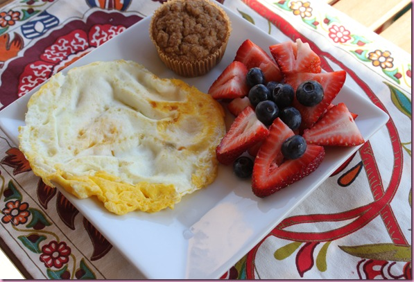 egg, fruit and muffin