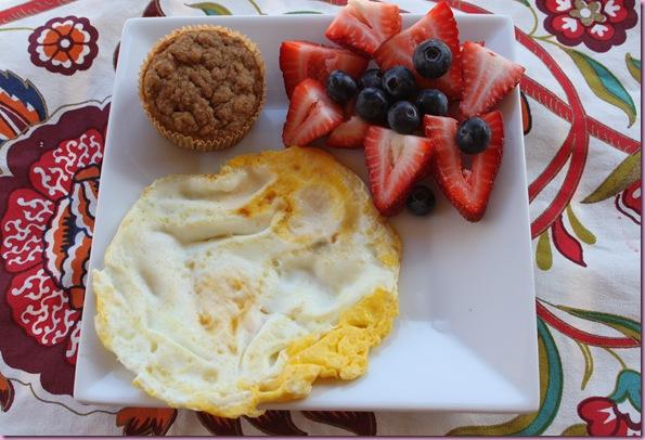 egg, fruit muffin