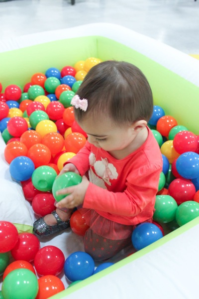 Ball pit  1 of 1