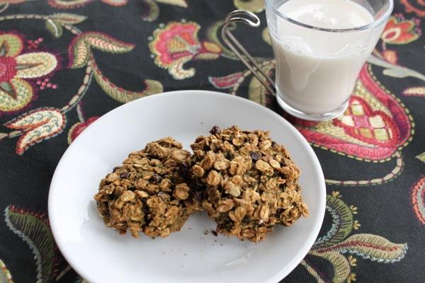 Healthy baked breakfast cookies with milk