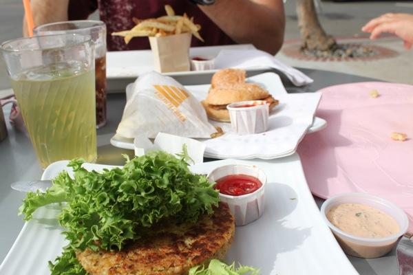 Burger lounge  1 of 1