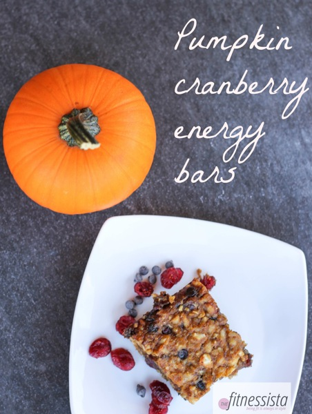 Pumpkin cranberry energy bars are perfect for a healthy, grab-and-go snack! fitnessista.com