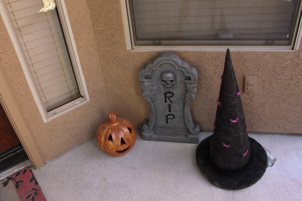 Halloween decorations  1 of 1 2