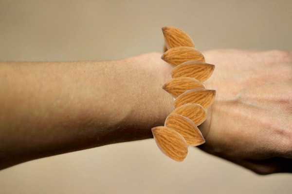 almond bracelet (This is not real)