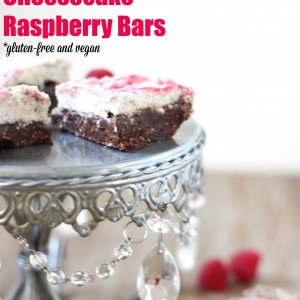 Raw brownie cheesecake bars! A vegan and naturally-sweetened dessert. Perfect for Valentine's Day! www.fitnessista.com