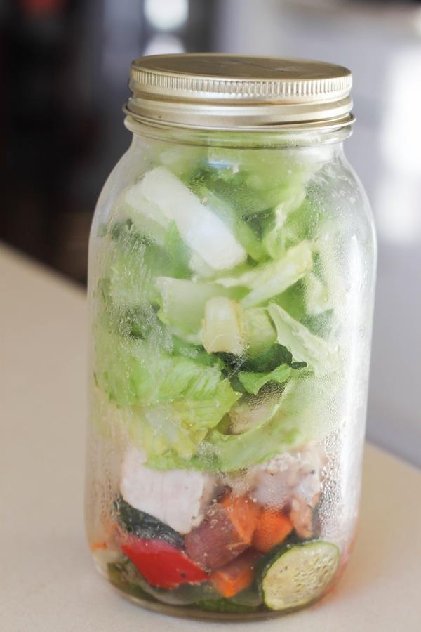 Salad in a jar 1 of 1 4