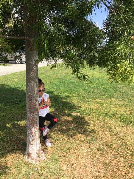 Livi tree pose