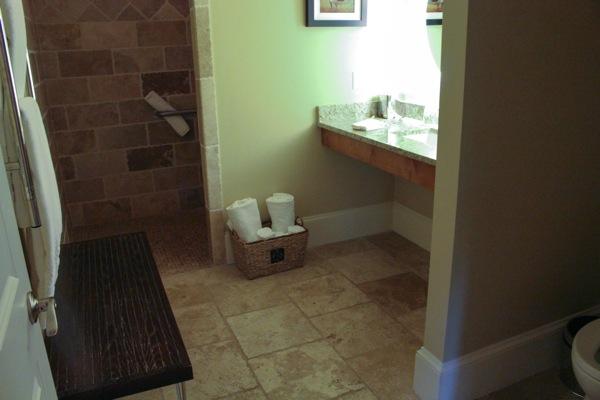 Bathroom  1 of 1