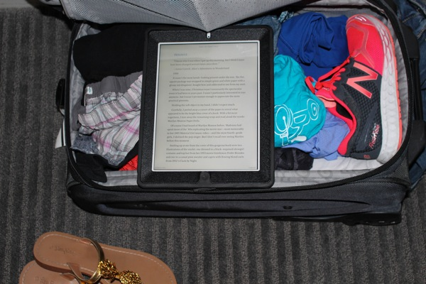 Suitcase 1 of 1