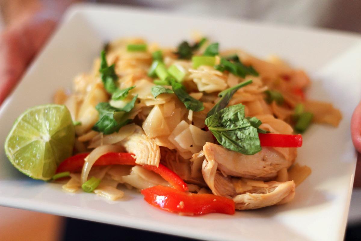 Chicken pad kee mao