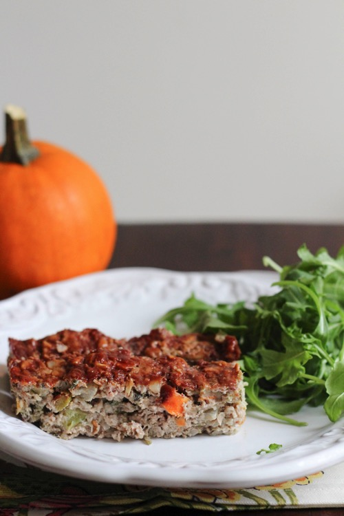 Turkey meatloaf recipe with harvest flavors like sage and cranberries | fitnessista.com