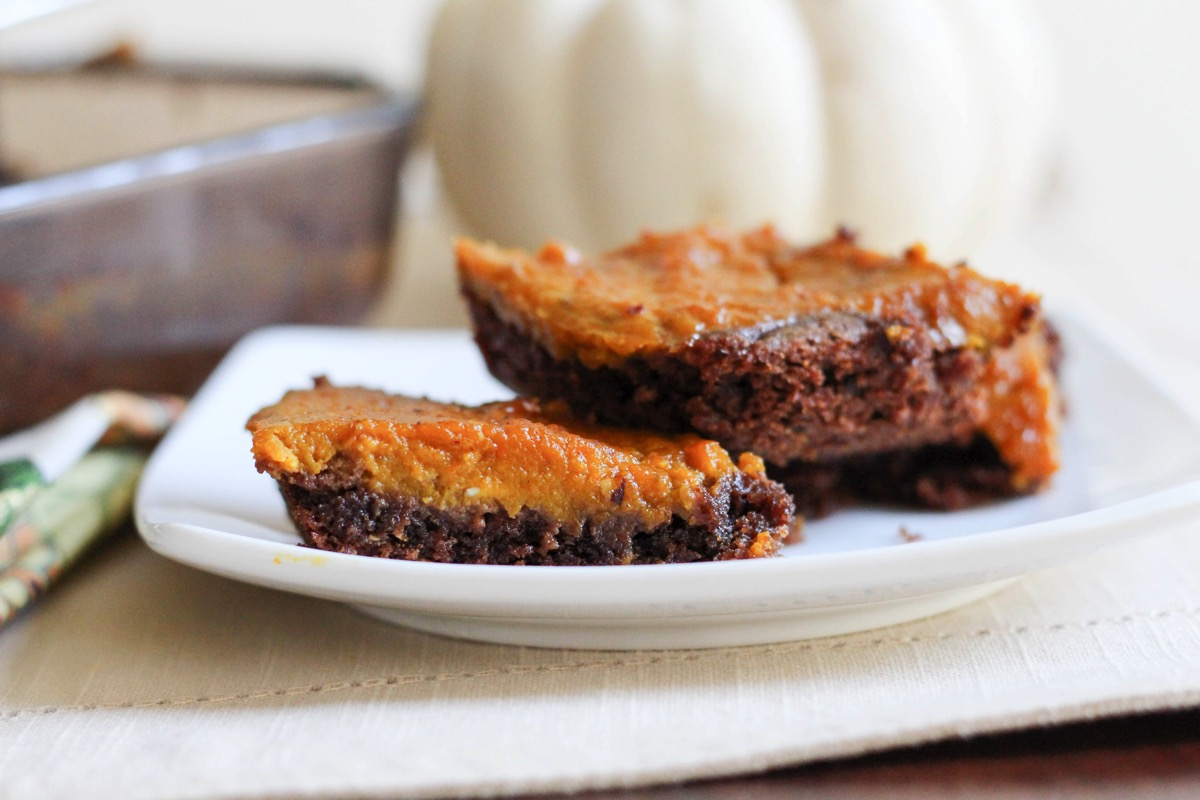 Pumpkin pie brownies on a plate