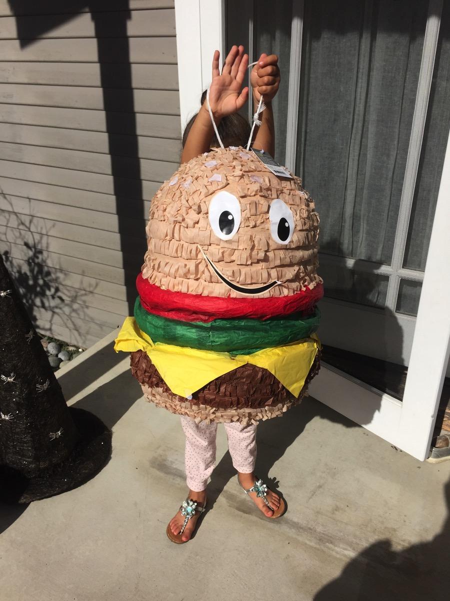Burger pinata