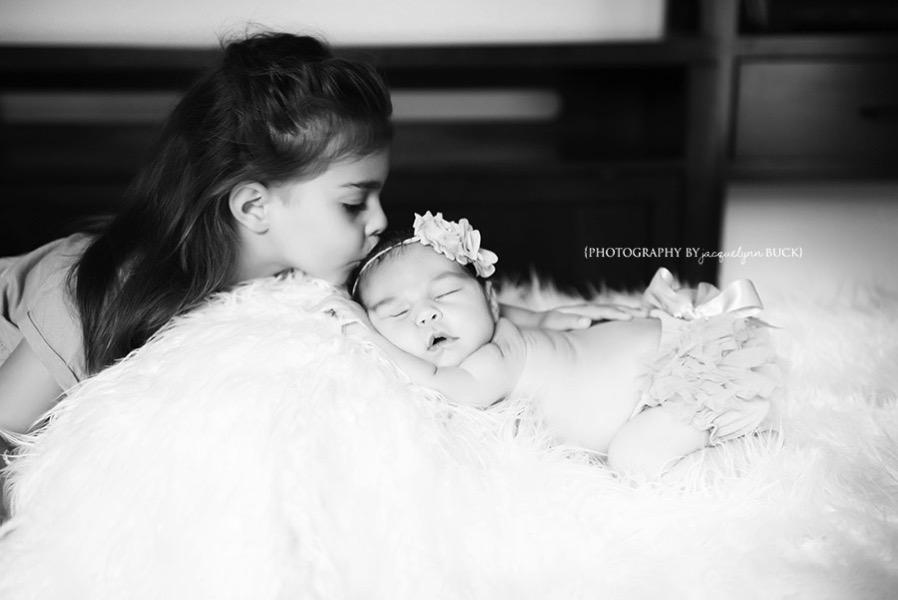 004 baby girl p sneak peek photography by jacquelynn buck