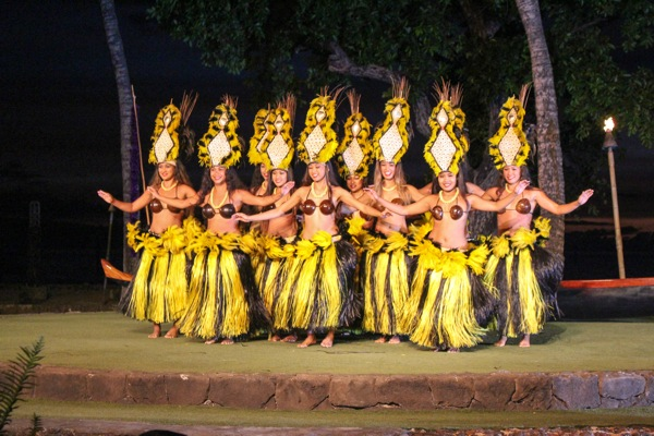 Hula dancers 1 of 1