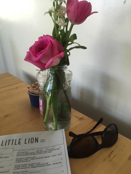 Little lion table