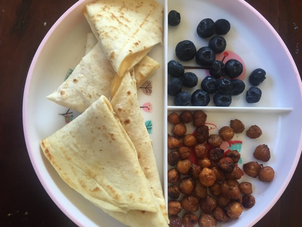 Quesadilla with blueberries and chickpeas