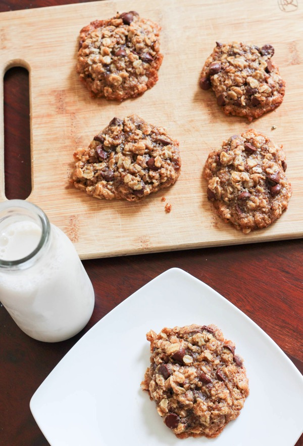 Chocolate chip cookies with chosen foods avocado oil 2