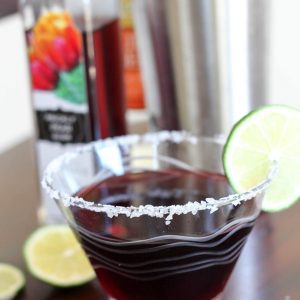 A refreshing, sweet and salty cocktail! Fun twist on the usual margarita. www.fitnessista.com