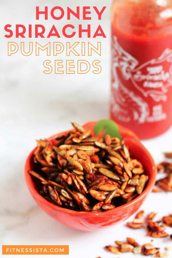 HONEY SRIRACHA PUMPKIN SEEDS - a kick of spice, a touch of sweetness! | Fitnessista.com