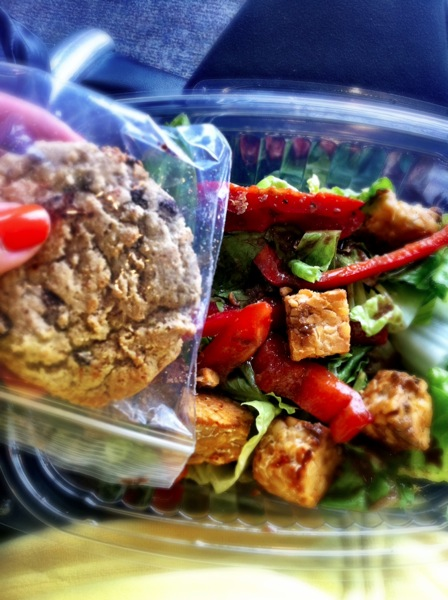 Salad with tempeh