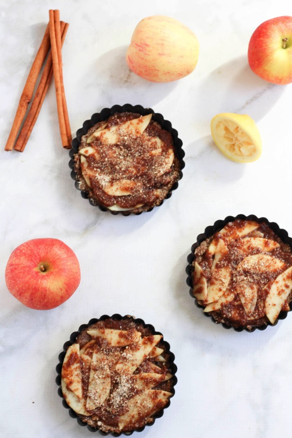 Gluten-free and vegan apple tarts with an almond meal crust. This recipe is perfect for when you want a sweet treat minus the sugar crash. fitnessista.com