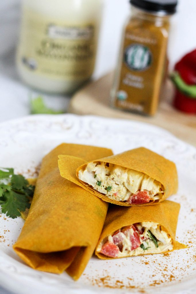Healthy curry chicken salad turmeric wraps (Paleo and gluten-free) | fitnessista.com
