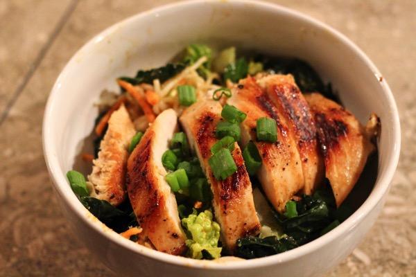 keto-friendly grilled chicken bowl
