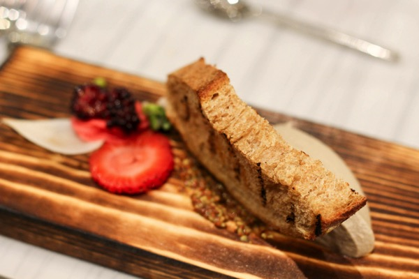 Foie w barrio bread