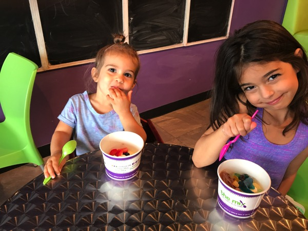 The girls with froyo