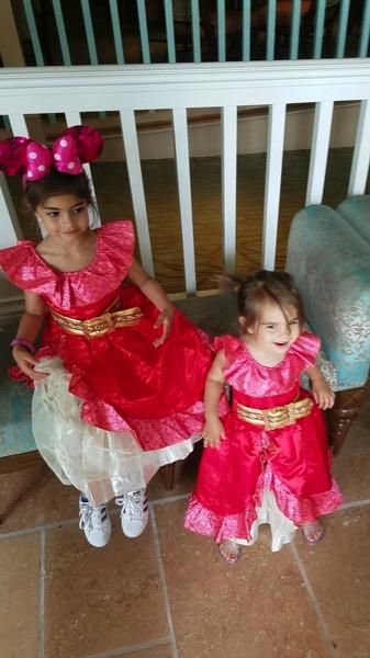 Little Elenas