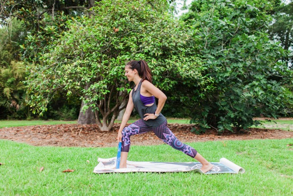 lunge back and squeeze