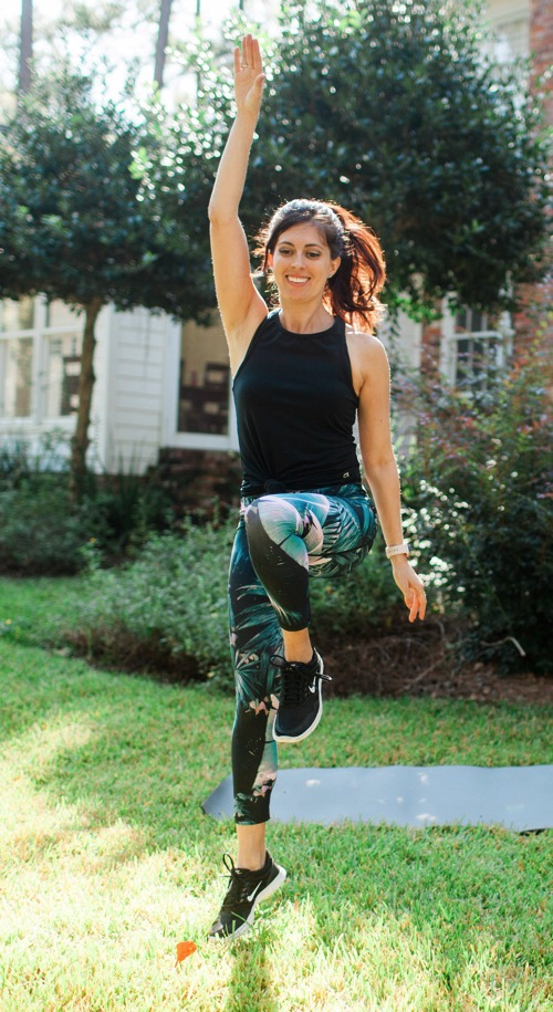 A total body strength and cardio workout you can do anywhere! Get in a HIIT and strength workout with your own body weight. Check out the details: fitnessista.com