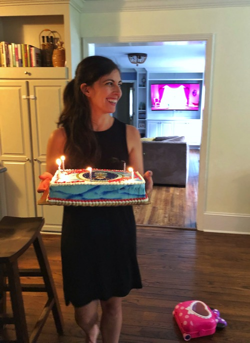 Singing with cake