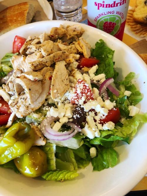 Greek salad w chicken