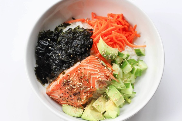 Sushi roll bowl