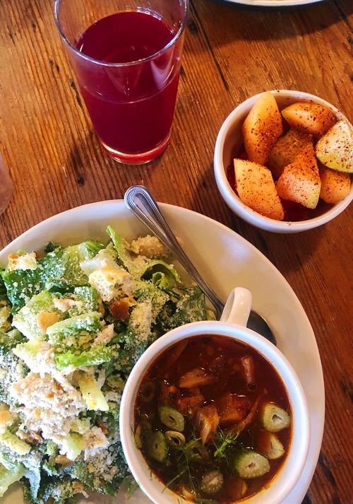 Zuppa di rodi e insalata di agosto