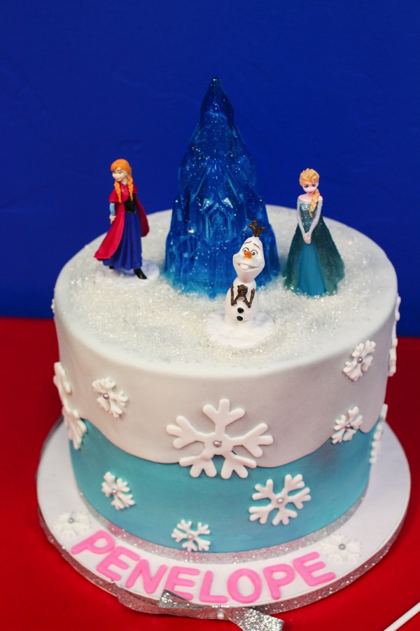 Frozen theme cake for birthday party