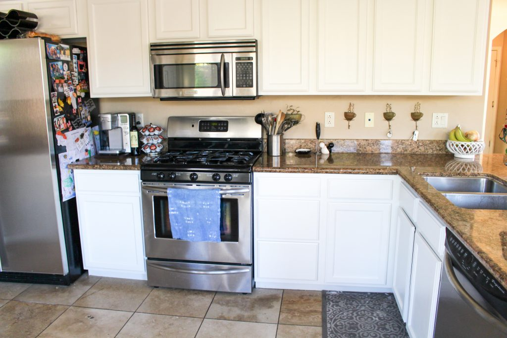 We Painted Our Kitchen Cabinets Benjamin Moore Swiss Coffee The Fitnessista