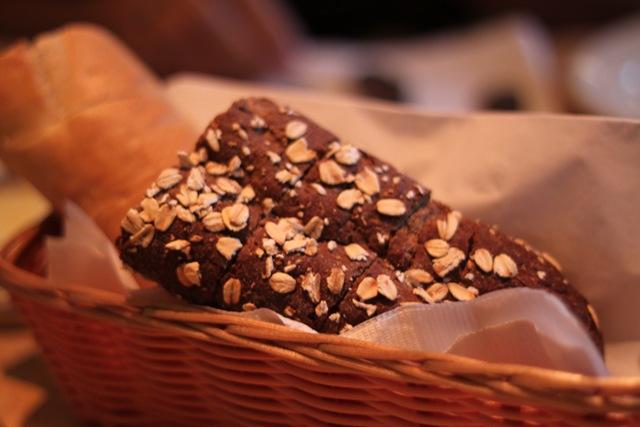 谁有Cheesecake Factory的Brown bread的recipe吗?